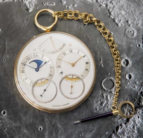 Un ceas de buzunar inspirat de aselenizare, vândut la Londra pentru suma record de 3,6 milioane de lire sterline