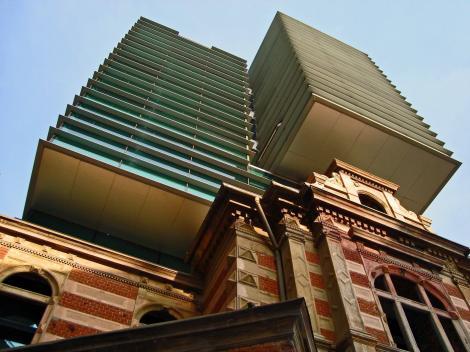 """Eminescu a citit """"Scrisoarea a III-a"""" în sediul Securității Statului, în care s-a tras cu tancul. Cea mai urâtă clădire din lume"""