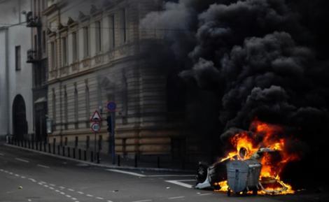 Botoşani: Patru maşini au fost incendiate în timpul nopţii. Piromanul, căutat de poliţişti