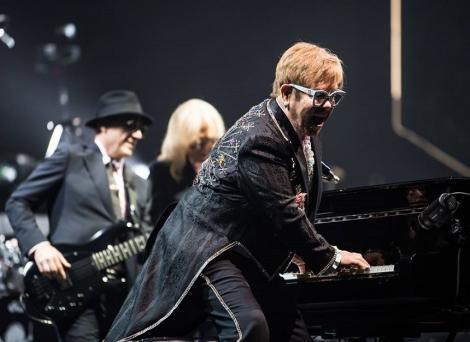 Elton John, turneul cu cele mai mari încasări în jumătate de an. Trans-Siberian Orchestra are cele mai multe bilete vândute