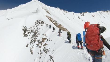 Ultimele momente din viața alpiniștilor morți în Himalaya au fost făcute publice! Camera lor GoPro, găsită sub zăpadă