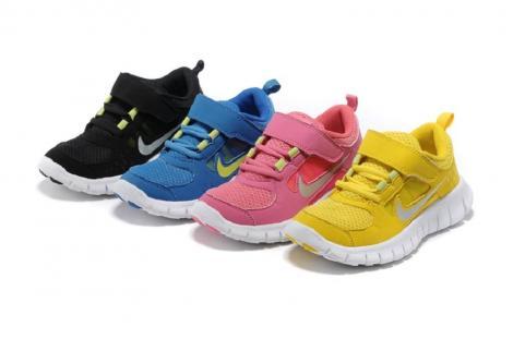 Nike va lansa un nou serviciu pe bază de abonament în SUA, pentru încălţămintea sport destinată copiilor