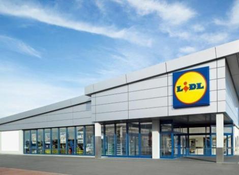 Lidl scoate complet de la vânzare produsele de plastic de unică folosinţă