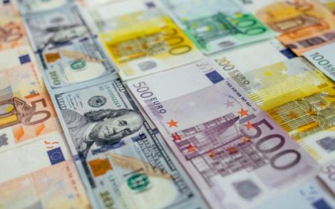 BNR Curs valutar 14 august 2019. Euro scade, dolarul și lira cresc