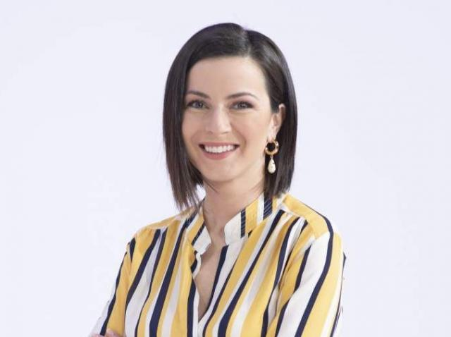 """Prezentatoarea Observator 12, Andreea Ţopan, despre cum îşi întâmpină musafirii: """"La noi, în Ardeal, e o tradiţie!"""""""