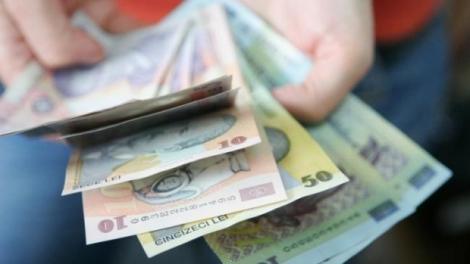 Taxă nouă! Românii vor scoate din buzunare mai mulți bani în perioada următoare