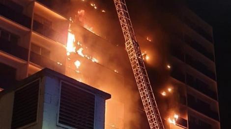 Un mort şi şase răniţi la periferia Parisului, într-un incendiu într-un bloc înalt lângă un spital