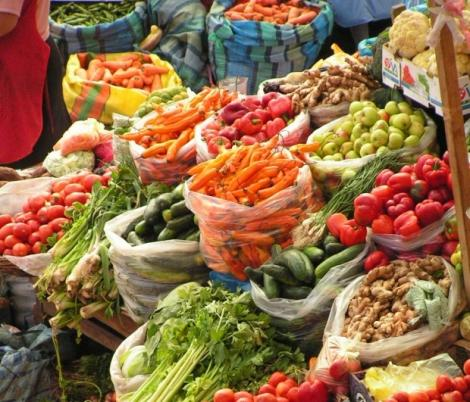 Inspectorii Ministerului Agriculturii au dat amenzi de 118.000 lei în zona comerţului cu legume - fructe