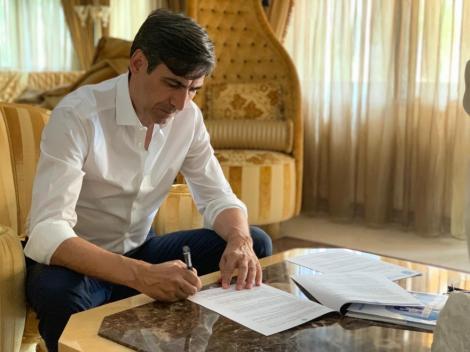 Victor Piţurcă: Voi veni la echipă la 1 septembrie şi îmi doresc ca actualul antrenor să rămână alături de mine. Obiectivul meu, câştigarea campionatului