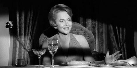 O colecţie de 27 de costume aparţinând actriţei Olivia de Havilland, scoasă la licitaţie
