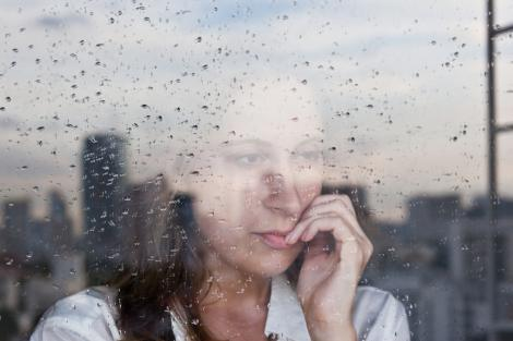 Diferența dintre griji și anxietate e subtilă. Când trebuie să căutăm ajutor