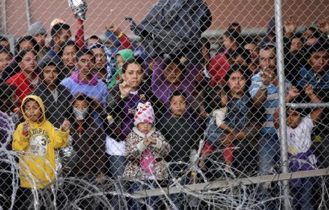Democraţii din Camera Reprezentanţilor acuză ca administraţia Trump blochează vizitarea taberelor de imigranţi