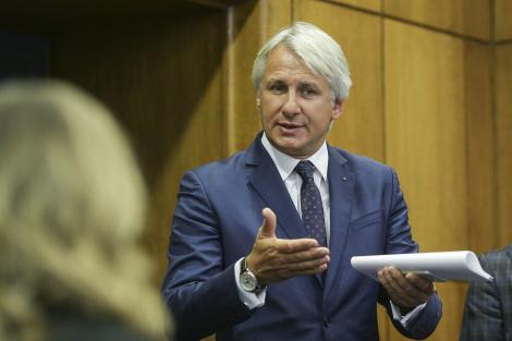 Teodorovici: Problema noastră nu este în exterior, noi putem învinge orice fel de concurent. Problema noastră vine din interior, de aici vine duşmanul nostru