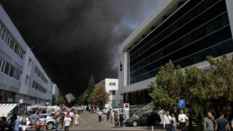 Incendiul izbucnit în nordul Capitalei încă nu a fost stins. Ce spun autoritățile