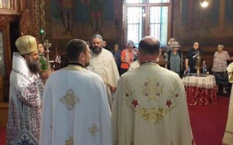 """Mesajul dur transmis de episcopul Slatinei, în timpul slujbei dedicată Alexandrei: """"Creşti 15 ani un copil şi vine o jigodie şi ţi-o ia de lângă tine şi o omoară"""""""