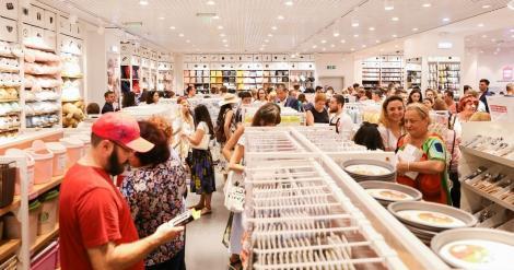 """""""Efectul momelii"""": Cum te fac magazinele să cheltui mai mulți bani. Care sunt soluțiile pentru a nu cădea pradă?"""