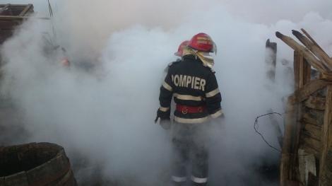 Tulcea: Doi copii de doi ani şi de cinci ani, răniţi într-un incendiu