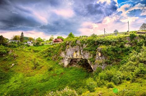 """Locul misterios din România în care se spune că ar fi locuit Dracul! """"Aici a venit Dumnezeu pentru a-l pedepsi pe Lucifer"""""""