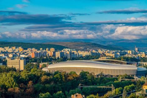 Untold şi Electric Castle au crescut cu 40% numărul biletelor de avion pentru destinaţia Cluj-Napoca