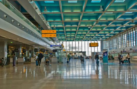 Vineri va fi cea mai aglomerată zi din an în aeroporturi. Se estimează un număr de 115.000 de zboruri