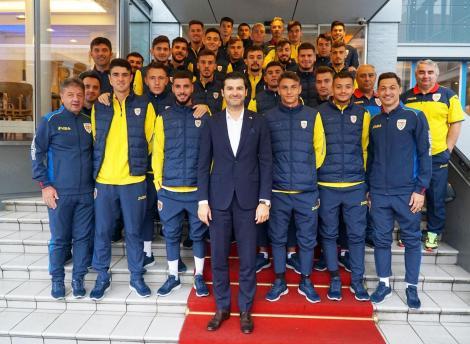 Tricolorii Under 21 au fost vizitaţi de ambasadorul României în Danemarca, Alexandru Grădinar, înaintea meciului din preliminariile CE-2021