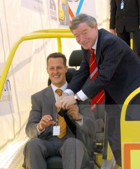 """Ce se întâmplă cu Michael Schumacher la Paris. Informația a răsuflat în presă: """"Tratamentul secret la care este supus..."""""""