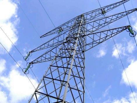 Exportul de energie electrică a scăzut cu aproape 32% în primele şapte luni, în timp ce importurile au crescut cu 45%