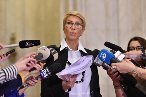 Raluca Turcan: Viorica Dăncilă apelează la scamatorii pentru că nu poate strânge cele 233 de voturi în Parlament