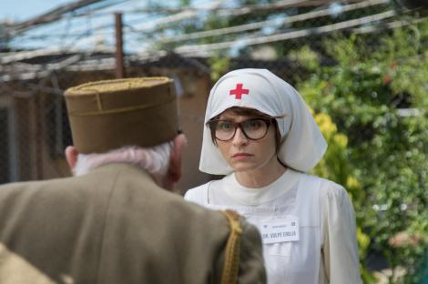 """Actrița Andreea Bibiri spune că are multe puncte comune cu personajul ei  din serialul """"Mangalița"""": """"Emilia e pur și simplu delicios de naivă"""""""