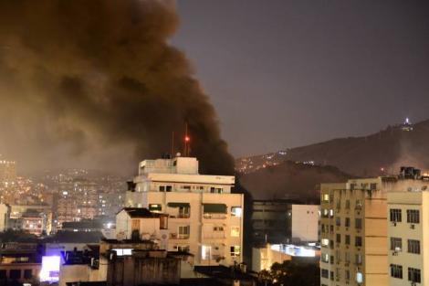 Noapte de groază la un spital din Rio de Janeiro! Un incendiu a cuprins toată clădirea