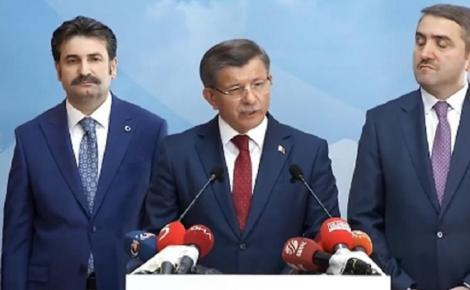 Un fost vicepremier al lui Erdogan, Ahmet Davutoglu, demisionează din AKP şi anunţă că urmează să înfiinţeze o formaţiune politică rivală