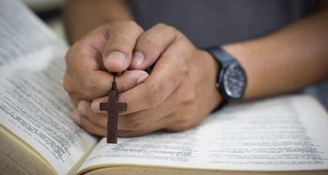 Înălțarea Sfintei Cruci. Rugăciunea crucii care aduce iubirea și norocul înapoi în viața ta