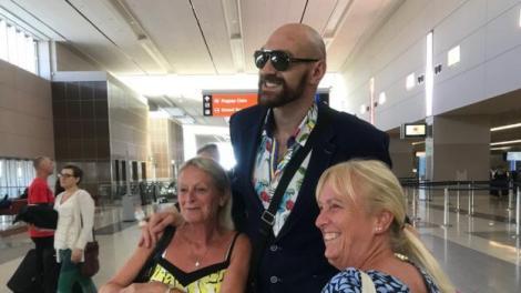 Tyson Fury: Am avut peste 40 de cusături, am câştigat 5.000 de lire sterline la cazinou şi acum sunt gata pentru războiul cu Deontay Wilder