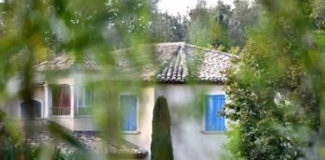 Casa lui Charles Aznavour din regiunea Provence a fost scoasă la vânzare pentru suma de 2,4 milioane de euro