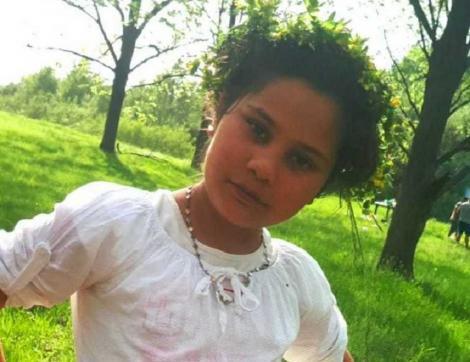 Maşina cu care a fost răpită fetiţa de 11 ani din Gura Şuţii găsită moartă la două zile de la dispariţie, verificată de criminalişti. La apartamentul închiriat de bărbatul suspectat în acest caz au avut loc percheziţii