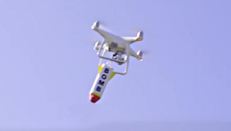 Caz ȘOCANT! Un bărbat a folosit o dronă pentru a arunca explozibil pe casa fostei prietene