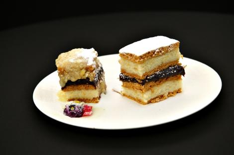 Prăjitura cu bulion. Cea mai delicioasă prăjitură cu foi pe dosul tăvii!