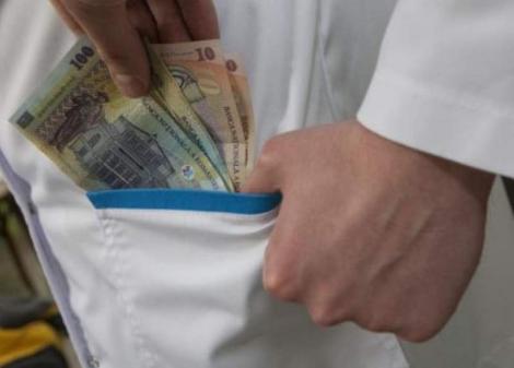 Top 10 spitale din România unde pacienților li se cere șpagă. Spitalul Universitar de Urgență București conduce clasamentul rușinii