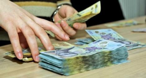 Cresc salariile românilor! Ce condiții trebuie să îndeplinească pentru a încasa bani mai mulți