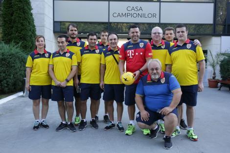 Componenţii echipei naţionale de nevăzători s-au întâlnit cu selecţionerul Cosmin Contra