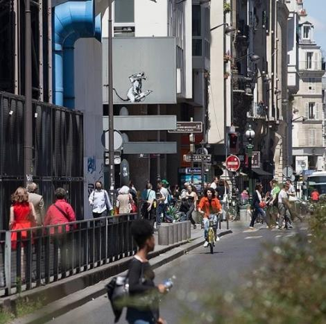 Franţa - Un stencil realizat de Banksy a fost furat în apropiere de Muzeul Beaubourg