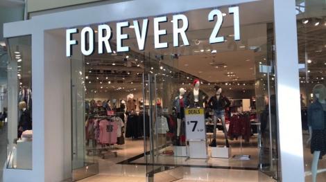 Brandul de modă Forever 21 a solicitat protecţia faţă de creditori în SUA; majoritatea magazinelor din Europa şi Asia vor fi închise