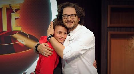 """Florin Dumitrescu își întâlnește sosia la """"Chefi la cuțite"""": """"Are părul creț și poartă 46 la picior"""""""