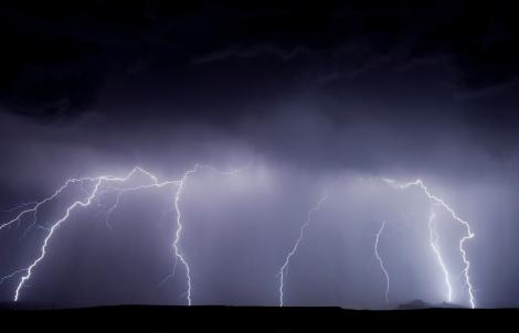 Meteo: Atenționare cod galben de furtuni. Cum va fi vremea până vineri
