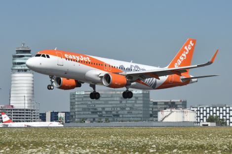 Un pasager a fost nevoit să piloteze un avion plin de pasageri după ce pilotul a dispărut VIDEO