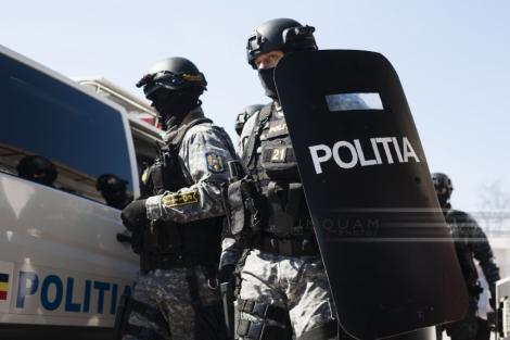 Prahova: Percheziţii într-un dosar de cămătărie şi şanjaj; 14 persoane vor fi duse la audieri