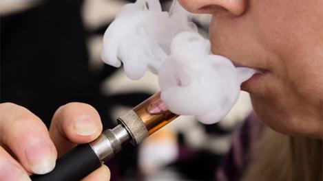 Oameni morți de la țigările electronice! Autoritățile au intrat în stare de alertă