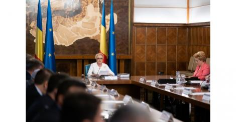 Guvernul se reuneşte în prima şedinţă după demisia miniştrilor ALDE; proiecte privind cuantumul minim al unor burse pentru elevi şi Spitalul Regional de Urgenţă Cluj, pe agendă