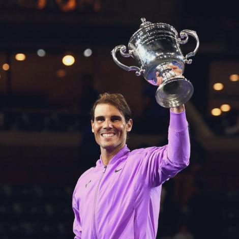 """Rafael Nadal a câştigat US Open a patra oară şi s-a apropiat la un grand slam de Roger Federer, deţinătorul recordului de """"majore"""""""
