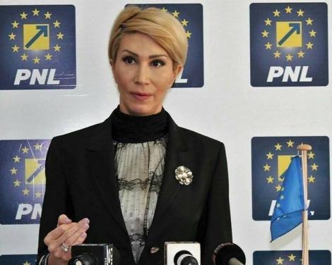 Raluca Turcan: Guvernul României riscă foarte mult prin susţinerea Rovanei Plumb pentru funcţia de comisar european. Audierile în Parlamentul European nu sunt o joacă